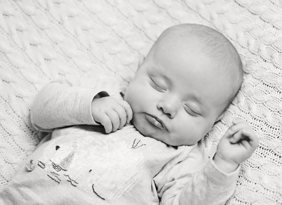 White noise sleeping newborn 7446